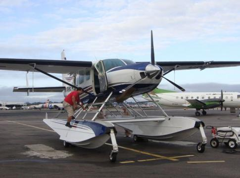 Aircraft for Sale in United States: 2004 Cessna 208 Caravan Amphibian