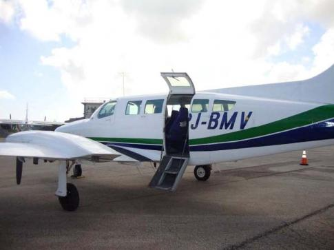 Aircraft for Sale in Netherlands Antilles: 1975 Cessna 402B