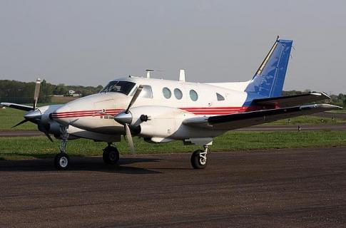 Aircraft for Sale in France: 1971 Beech 90