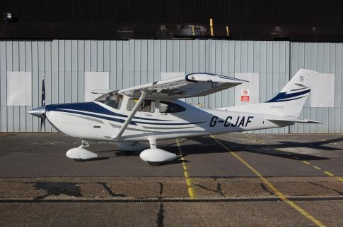 Aircraft for Sale in United Kingdom: 2006 Cessna 182T Skylane