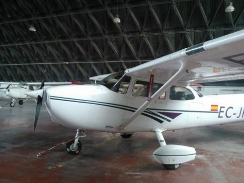 Aircraft for Sale in Spain: 1998 Cessna 172S