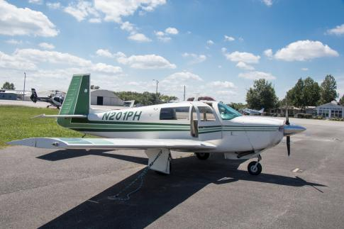Aircraft for Sale in Murfreesboro, Tennessee, United States (KMBT): 1977 Mooney M20J