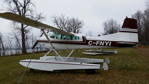 Aircraft for Sale in Gatineau, Quebec, Canada (CYND): 1962 Cessna 185A