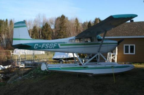 Aircraft for Sale in Bagotville, Quebec, Canada (CYBG): 1965 Cessna 180H Skywagon