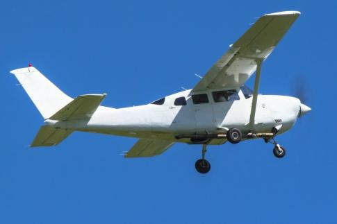 Aircraft for Sale in Austria: 1999 Cessna 206H - 2