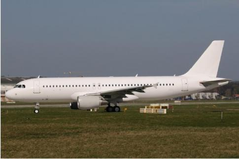 Aircraft for Sale in France: 2015 Airbus A320-214