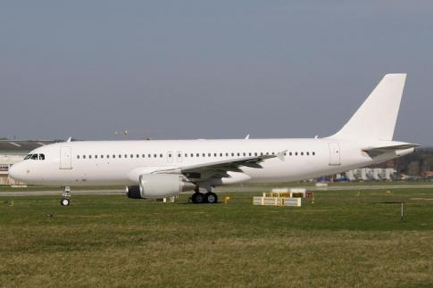 Off Market Aircraft in France: 2015 Airbus A320-214 - 1