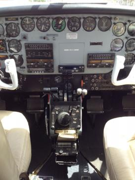 Aircraft for Sale in Israel: 1974 Beech Queen Air - 2