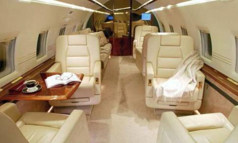 Off Market Aircraft in Dubai: 1999 Bombardier Challenger 604 - 3