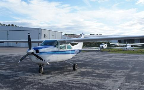 Off Market Aircraft in USA: 1977 Cessna 210M - 2