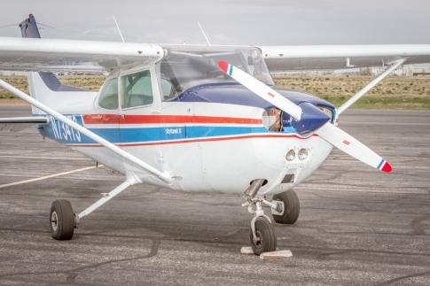 Off Market Aircraft in USA: 1977 Cessna 172N - 1