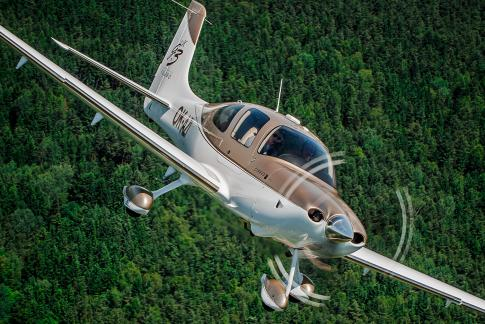 Off Market Aircraft in Czech Republic: 2008 Cirrus SR-22G3 GTS - 1