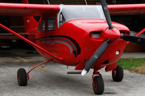 Off Market Aircraft in USA: 1976 Cessna 206 - 1
