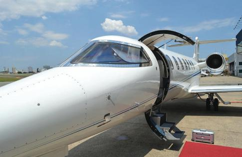 Aircraft for Sale in Brazil: 2010 Learjet 40-XR