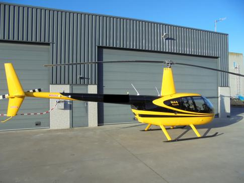 Off Market Aircraft in France: 2013 Robinson R-44 - 1