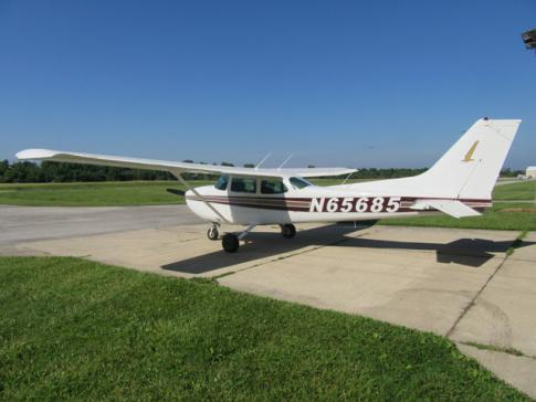 Off Market Aircraft in Indiana: 1982 Cessna 172P - 1