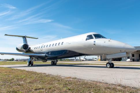 Off Market Aircraft in USA: 2015 Embraer Legacy 650 - 1