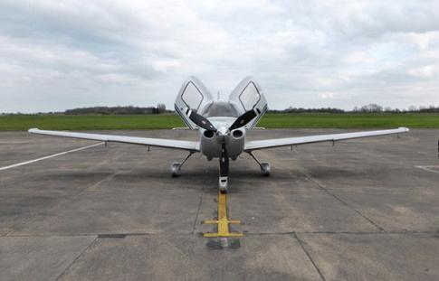 Off Market Aircraft in London: 2007 Cirrus SR-22G3 - 3