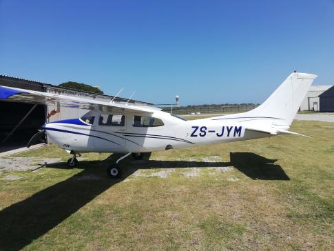 Aircraft for Sale in Port Elizabeth, South Africa: 1977 Cessna 210M Centurion