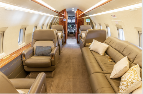 Aircraft for Sale in USA: 2001 Bombardier Challenger 604 - 2
