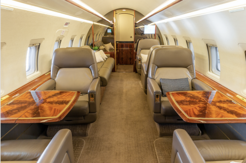 Aircraft for Sale in USA: 2001 Bombardier Challenger 604 - 3