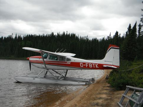 Off Market Aircraft in Quebec: 1972 Cessna 180H - 1