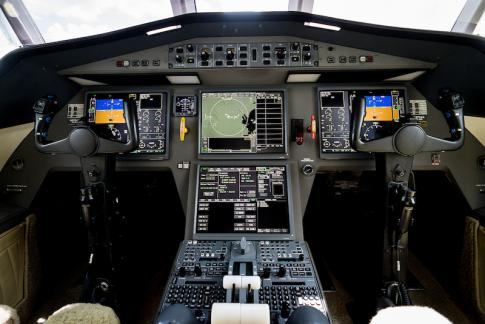 Aircraft for Sale in Texas: 2004 Dassault 2000EXy - 3