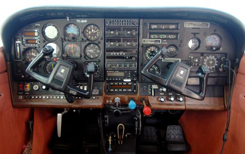 Aircraft for Sale in Turkey: 1982 Cessna 207A - 3