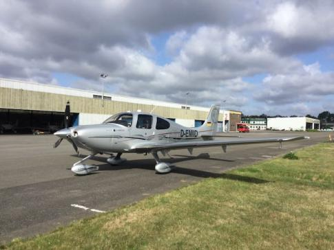 Aircraft for Sale in Düsseldorf, APO/FPO, Germany (EDLN): 2011 Cirrus SR-22G3 Turbo