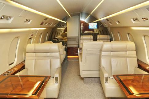 Aircraft for Sale in USA: 1993 Bombardier Challenger 601 - 3