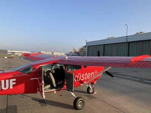 Aircraft for Sale in Hamburg: 1977 Cessna 206 - 3