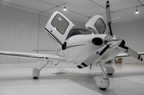 Aircraft for Sale in ST-MATHIEU DE BELOEIL, Quebec, Canada (CSB3): 2006 Cirrus SR-22G2 GTS