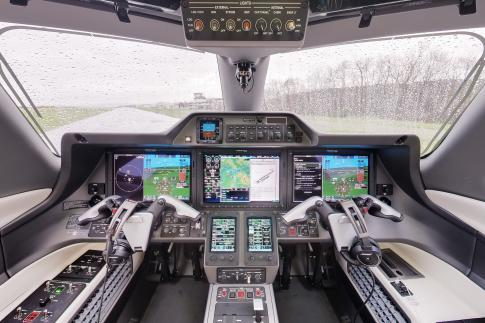 Aircraft for Sale in Germany: 2016 Embraer Phenom 300 - 2
