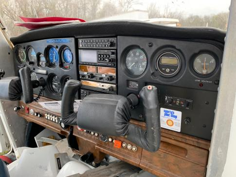 Aircraft for Sale in prague: 1980 Cessna 152-II - 3